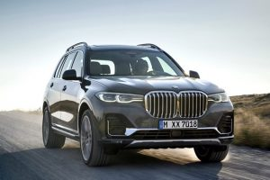 BMW X7: SUV É GIGANTE, CARO, LUXUOSO E TEM FAROIS DE LASER