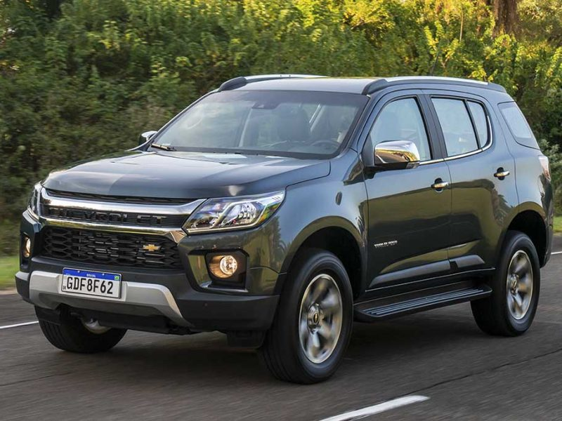 Chevrolet Trailblazer 2021 segue visual e recursos da S10