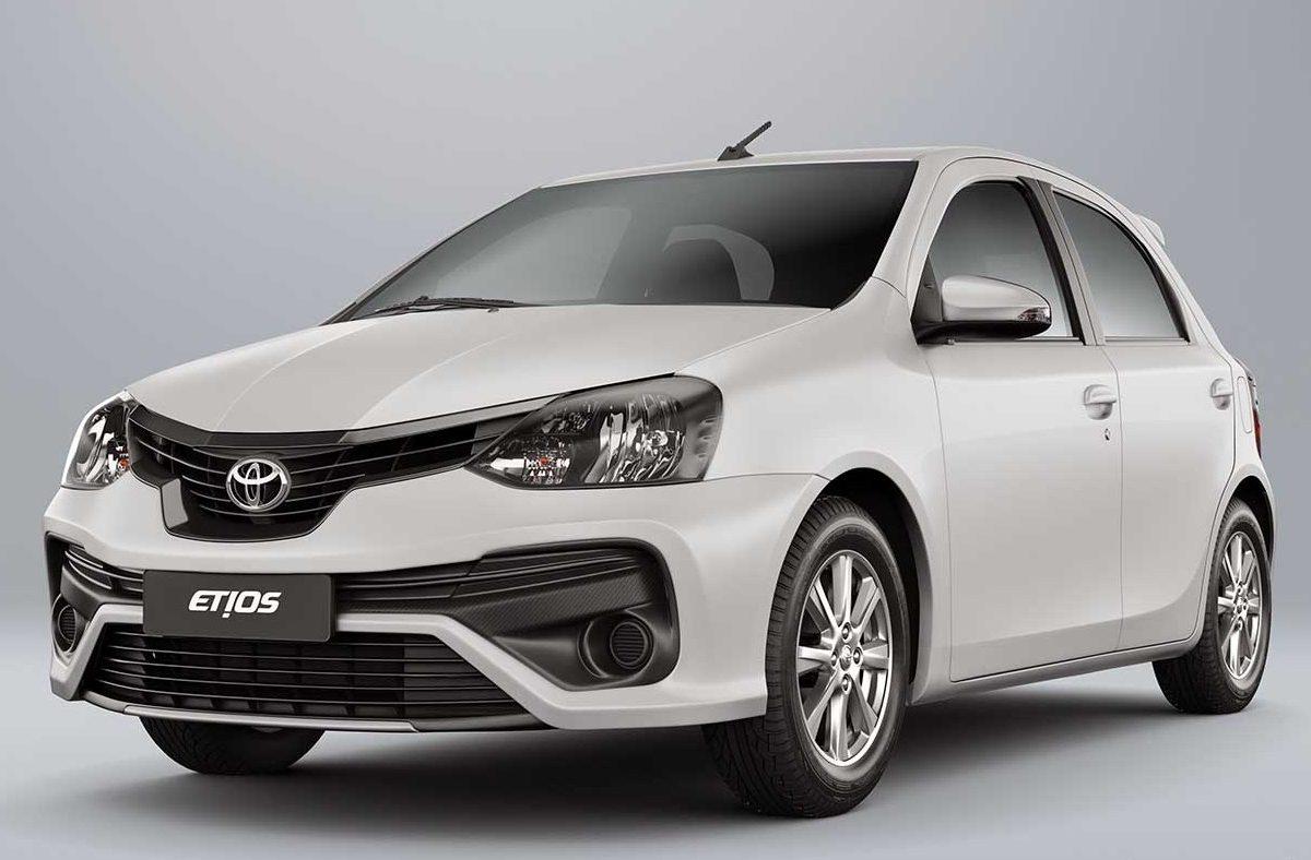Toyota Etios 2021 tem nova central e começa em R$ 55.390